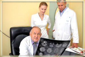 Профессор Тринитатский Юрий Владимирович с коллегами