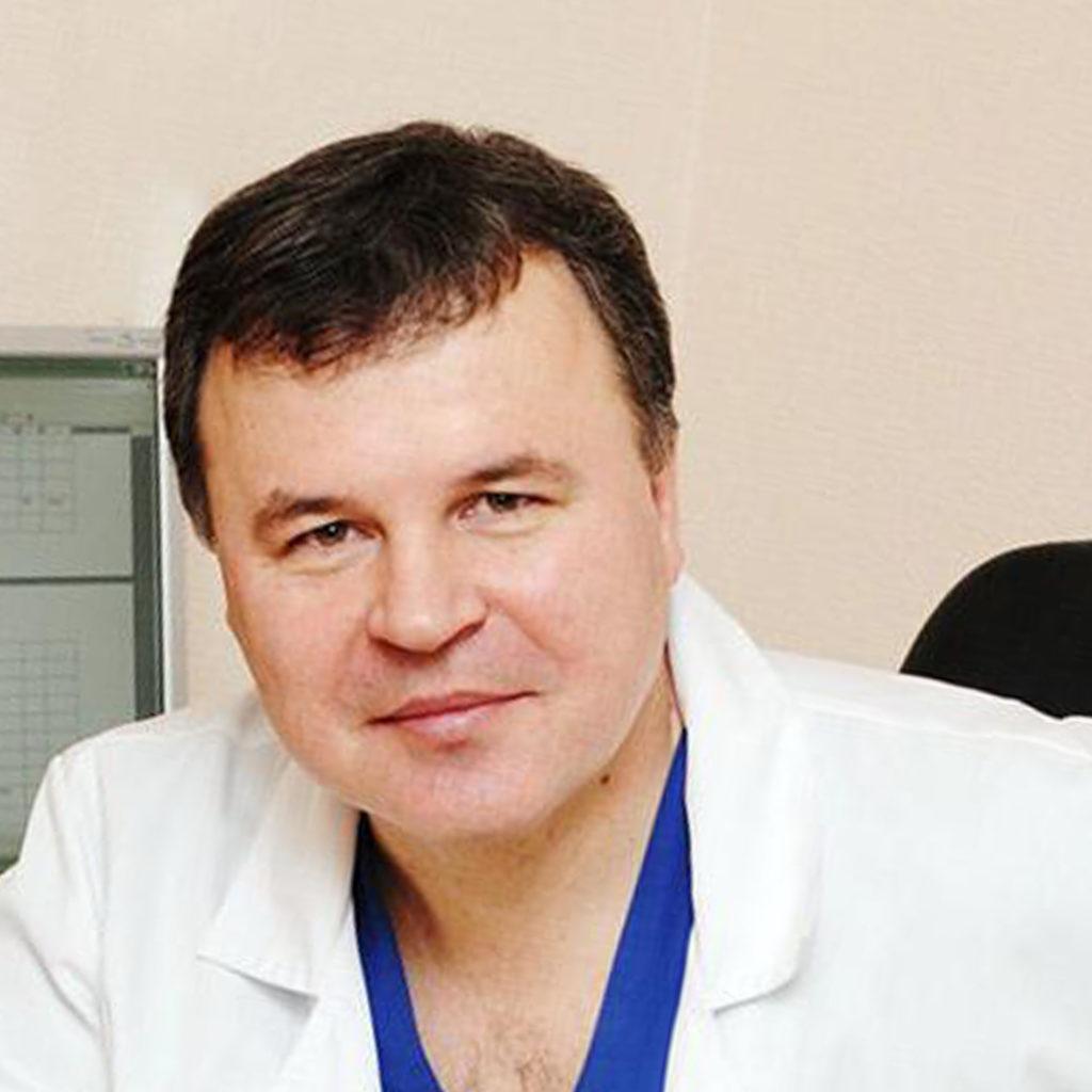 Углов Аркадий Иванович – кардиохирург, сосудистый хирург, флеболог, врач высшей категории, ДМН