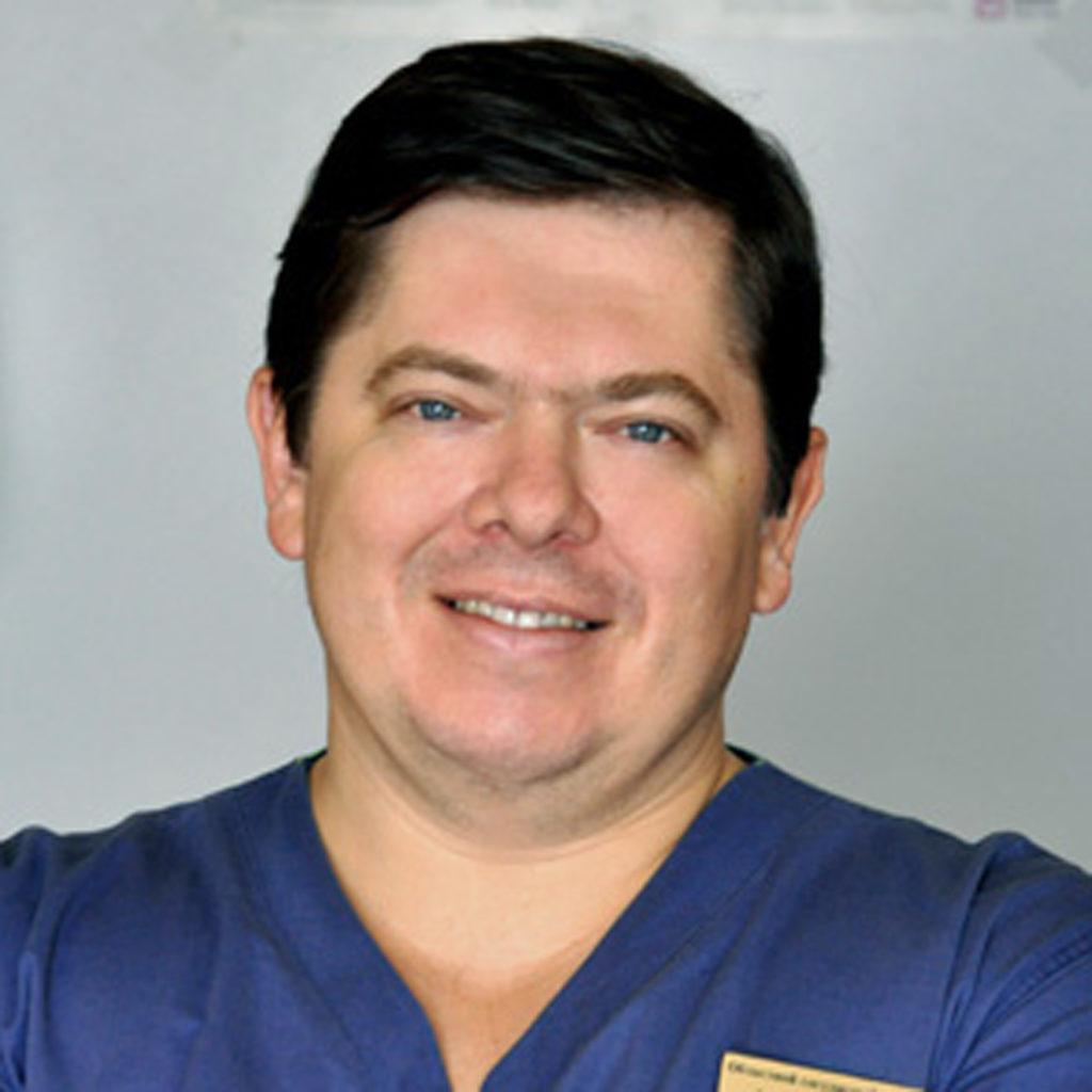 Малеванный Михаил Владимирович — кардиохирург, КМН, доктор  высшей категории, рентгенолог